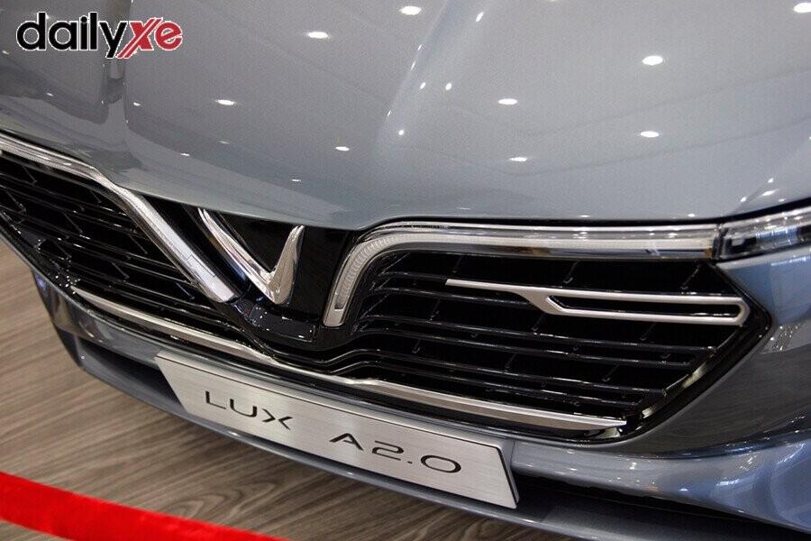 Mẫu xe LUX A2.0 trưng bày tại Vinfast Gò Vấp - Hình 3