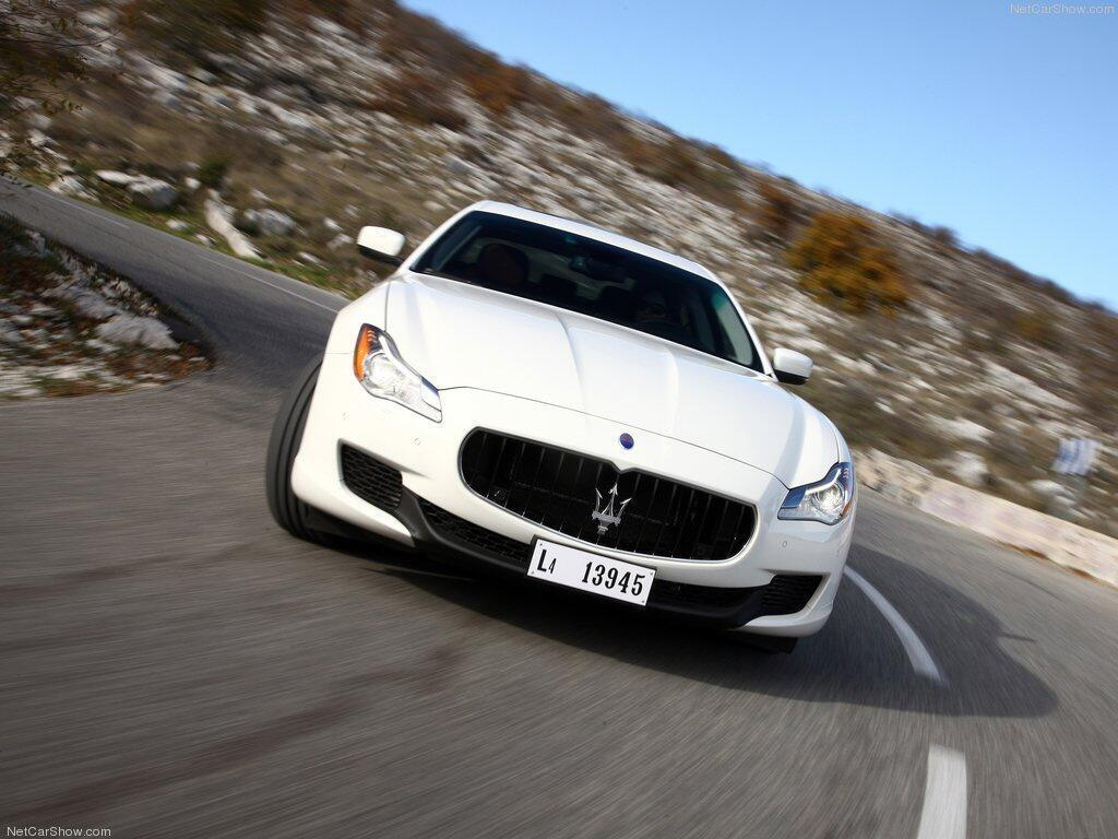 Dan sao nu Hollywood va thu vui so huu nhung sieu xe dat tien hinh anh 2 Maserati_Quattroporte_2013_1024_4f.jpg