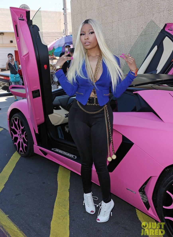 Dan sao nu Hollywood va thu vui so huu nhung sieu xe dat tien hinh anh 12 nicki_minaj_kmart_collection_shop_your_way_event_20_2.jpg