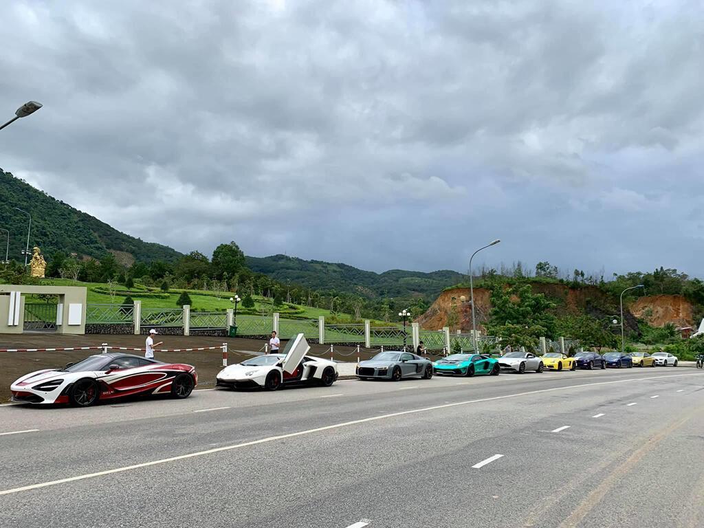 dan-sieu-xe-xuat-hanh-di-qua-4-nuoc-tien-tram-asean-rally-2020-1.jpg