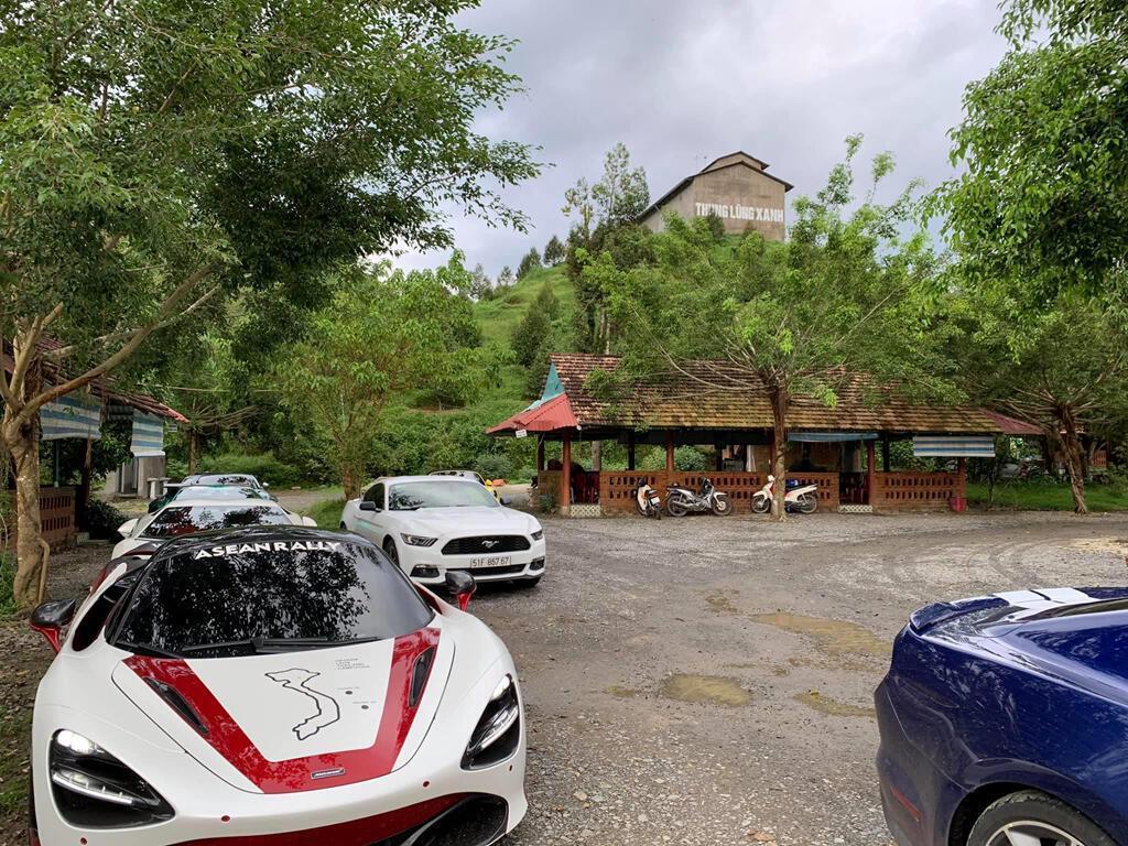 dan-sieu-xe-xuat-hanh-di-qua-4-nuoc-tien-tram-asean-rally-2020-2(1).jpg