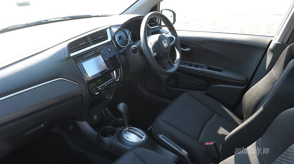 Đánh giá ban đầu về Honda BR-V: Crossover đầy hứa hẹn - Hình 5