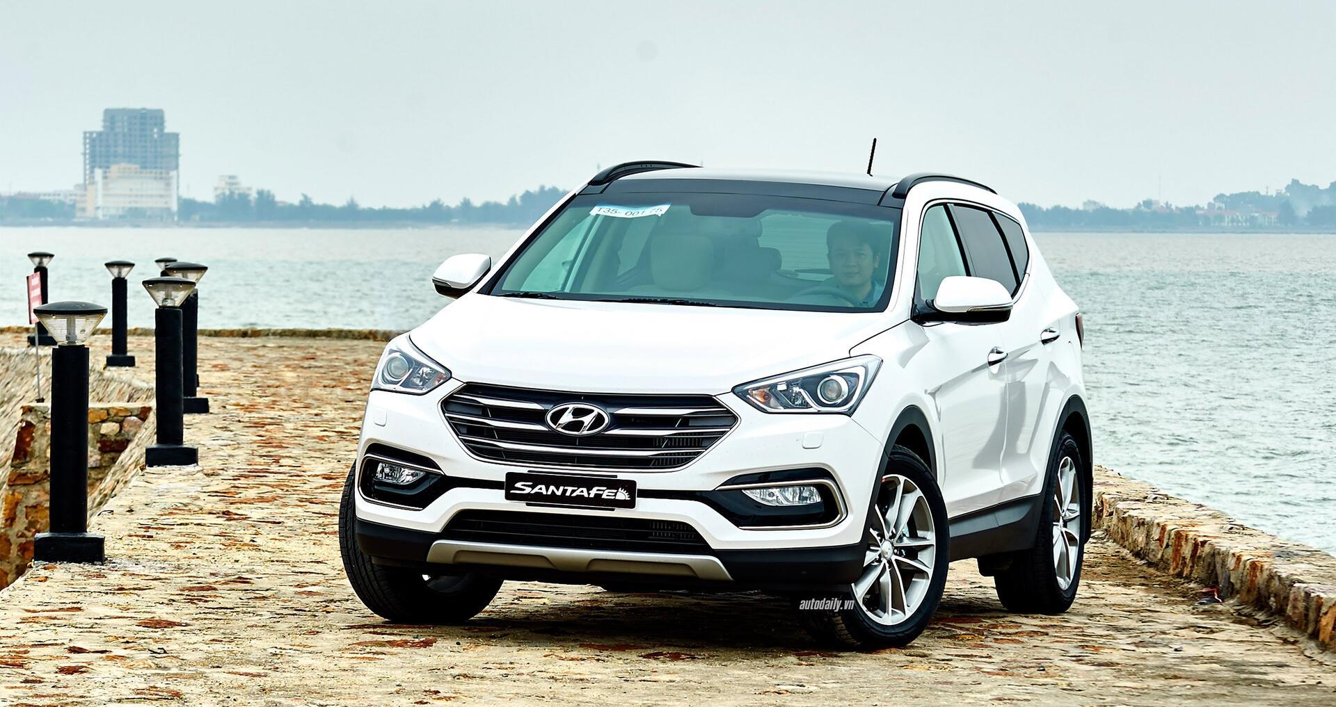 Đánh giá ban đầu về Hyundai SantaFe 2016 phiên bản máy dầu - Hình 1