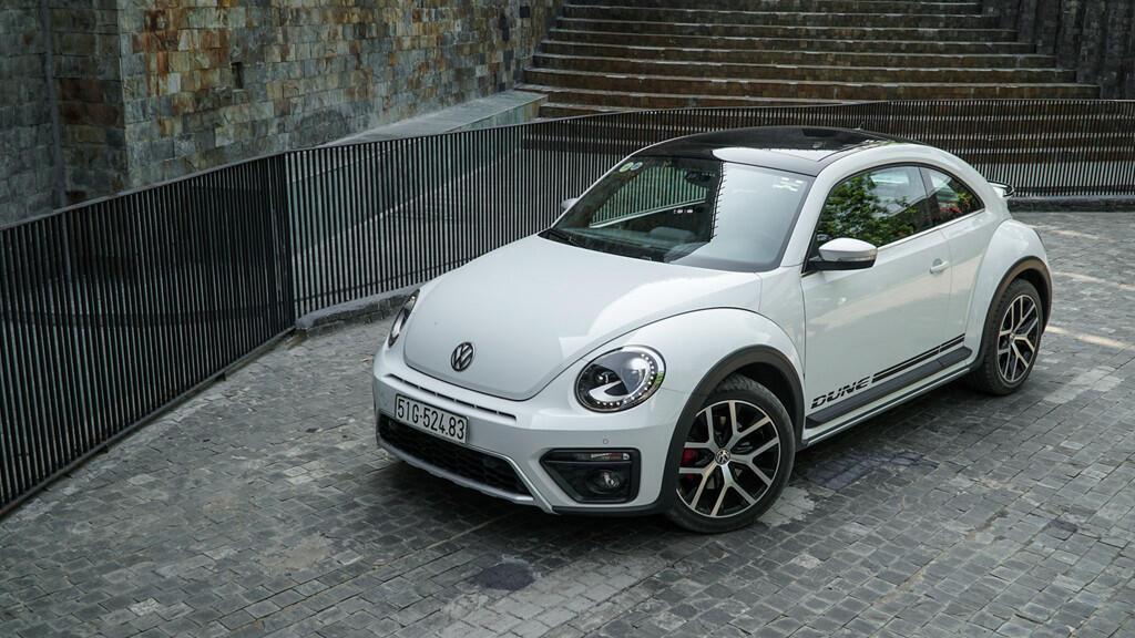 Đánh giá Beetle Dune - xe nhỏ giá ngang Mercedes-Benz C200 - Hình 2
