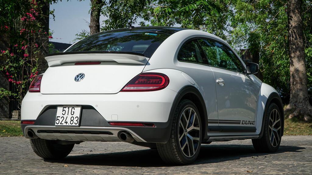 Đánh giá Beetle Dune - xe nhỏ giá ngang Mercedes-Benz C200 - Hình 6