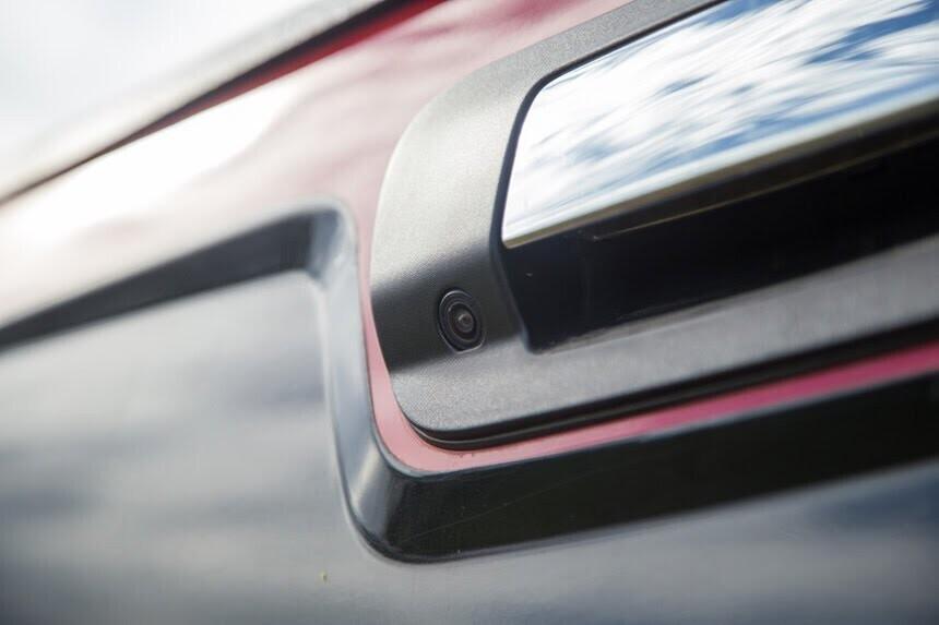 Đánh giá Chevrolet Colorado 2017 giá 839 triệu đồng tại Việt Nam - Hình 14