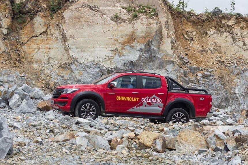 Đánh giá Chevrolet Colorado 2017 giá 839 triệu đồng tại Việt Nam - Hình 18