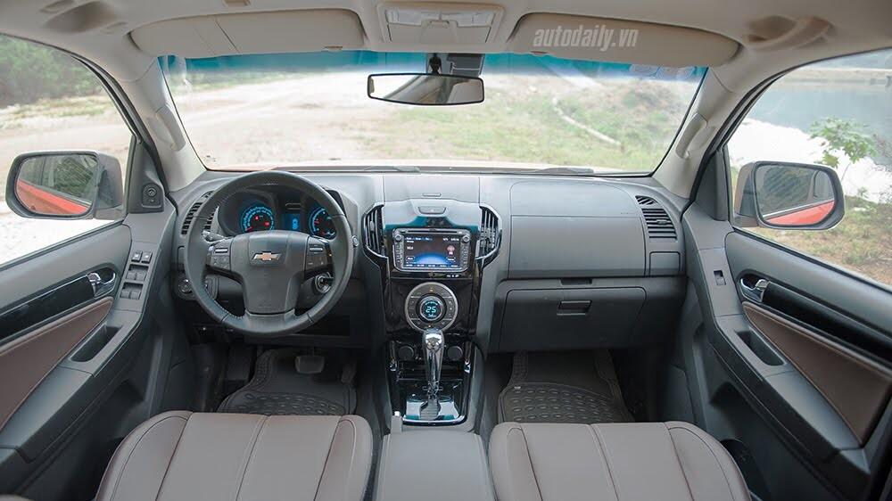 Đánh giá Chevrolet Colorado High Country: Thêm