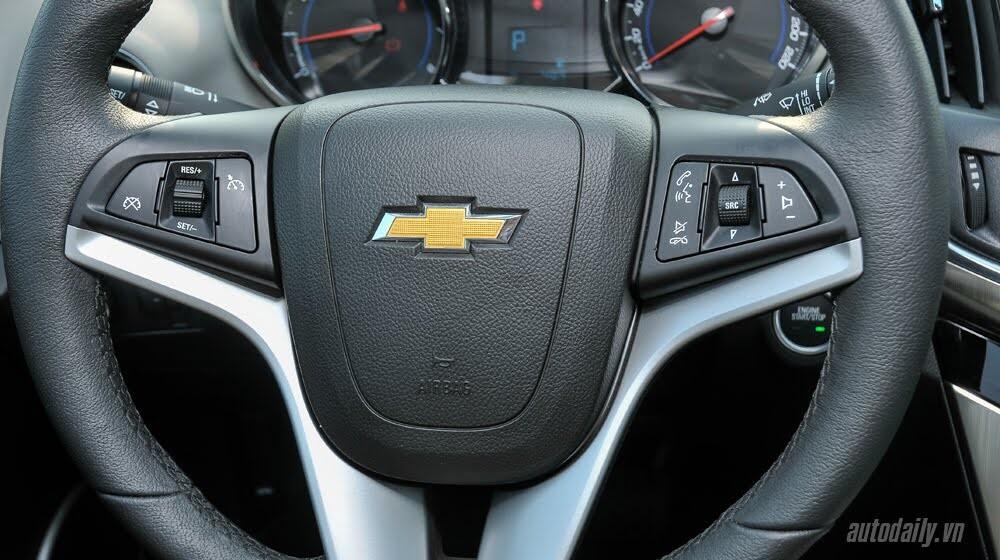Đánh giá Chevrolet Cruze LTZ 2015: Lựa chọn đáng tiền - Hình 9
