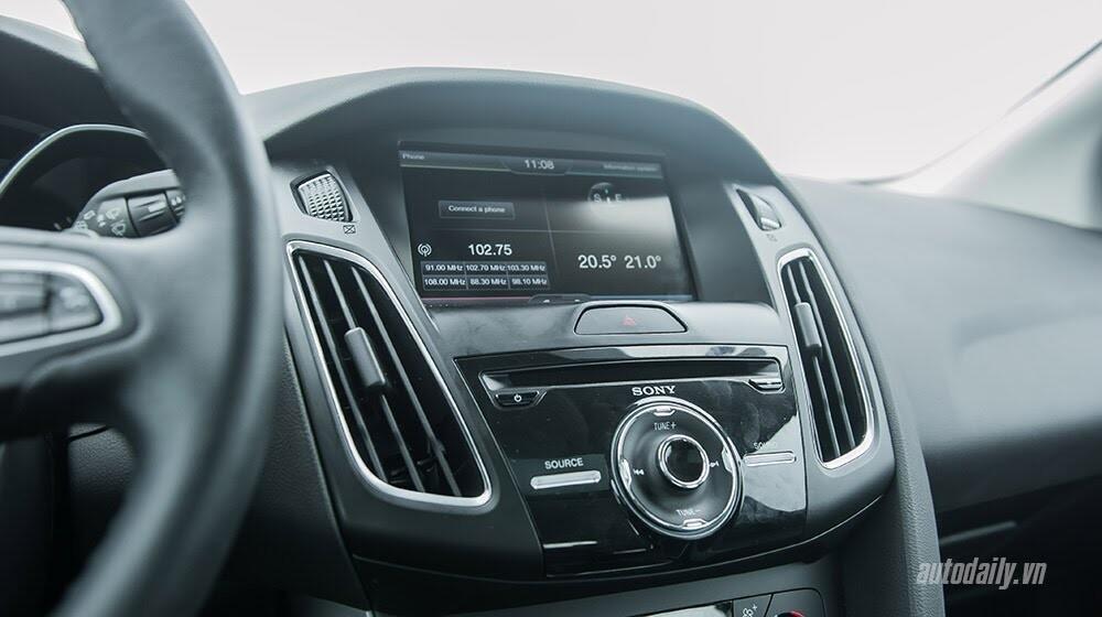 """Đánh giá Focus mới – """"Vũ khí sắc lẹm"""" của Ford - Hình 7"""