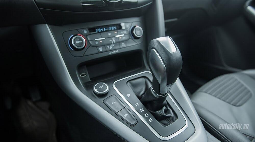 """Đánh giá Focus mới – """"Vũ khí sắc lẹm"""" của Ford - Hình 8"""