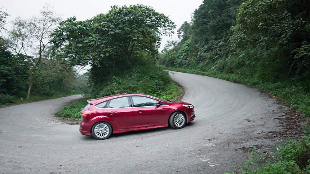 """Đánh giá Focus mới – """"Vũ khí sắc lẹm"""" của Ford - Hình 12"""
