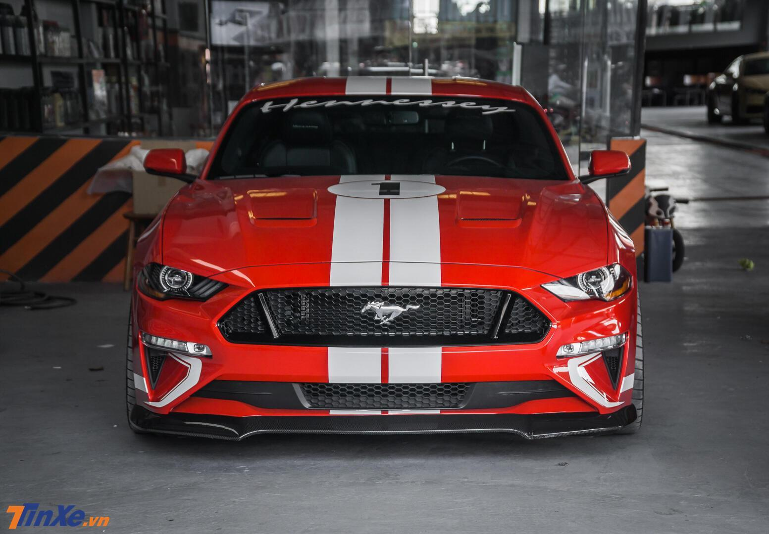 danh-gia-ford-mustang-do-hennessey-doc-nhat-viet-nam-ngua-hoang-day-cong-suat-808-ma-luc-1.jpg