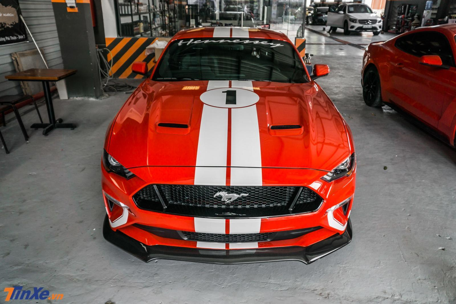danh-gia-ford-mustang-do-hennessey-doc-nhat-viet-nam-ngua-hoang-day-cong-suat-808-ma-luc-3.jpg