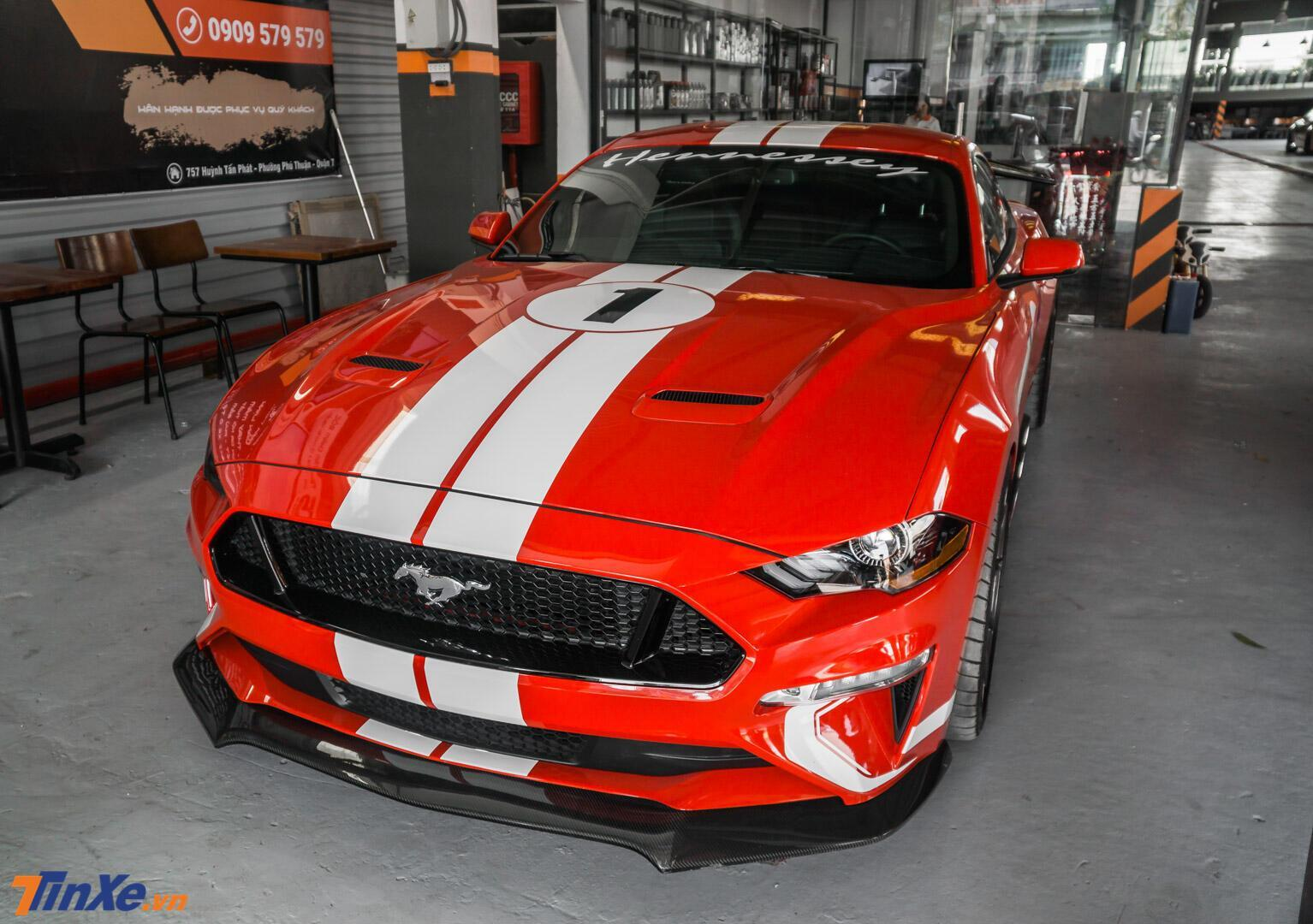 danh-gia-ford-mustang-do-hennessey-doc-nhat-viet-nam-ngua-hoang-day-cong-suat-808-ma-luc-4.jpg