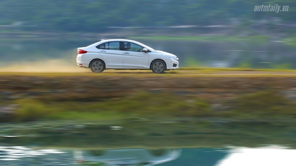 """Đánh giá Honda City 1.5 CVT 2016: Tập trung về """"chất"""" - Hình 1"""