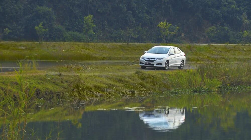 """Đánh giá Honda City 1.5 CVT 2016: Tập trung về """"chất"""" - Hình 6"""