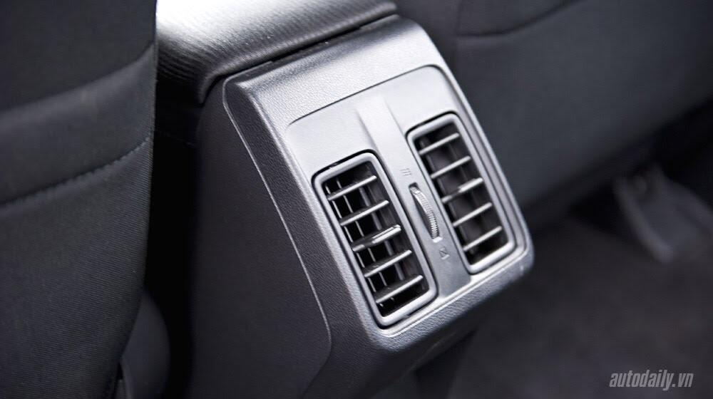 """Đánh giá Honda City 1.5 CVT 2016: Tập trung về """"chất"""" - Hình 10"""