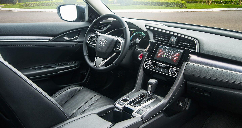 """Đánh giá Honda Civic 1.5L VTEC Turbo 2016: Mẫu sedan đáng """"đồng tiền bát gạo""""! - Hình 6"""