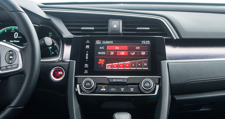 """Đánh giá Honda Civic 1.5L VTEC Turbo 2016: Mẫu sedan đáng """"đồng tiền bát gạo""""! - Hình 9"""