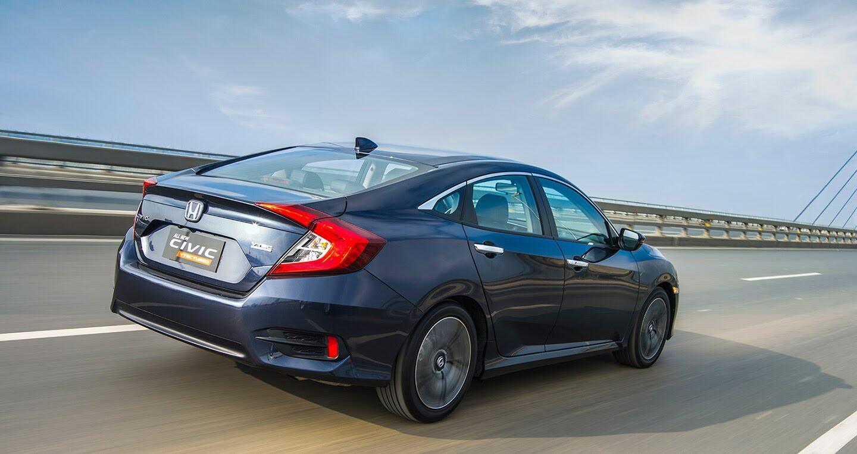 """Đánh giá Honda Civic 1.5L VTEC Turbo 2016: Mẫu sedan đáng """"đồng tiền bát gạo""""! - Hình 12"""