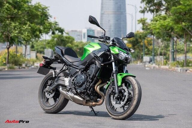 danh-gia-kawasaki-z650-naked-bike-co-trung-dat-tieu-chi-ngon-bo-nhung-tam-re