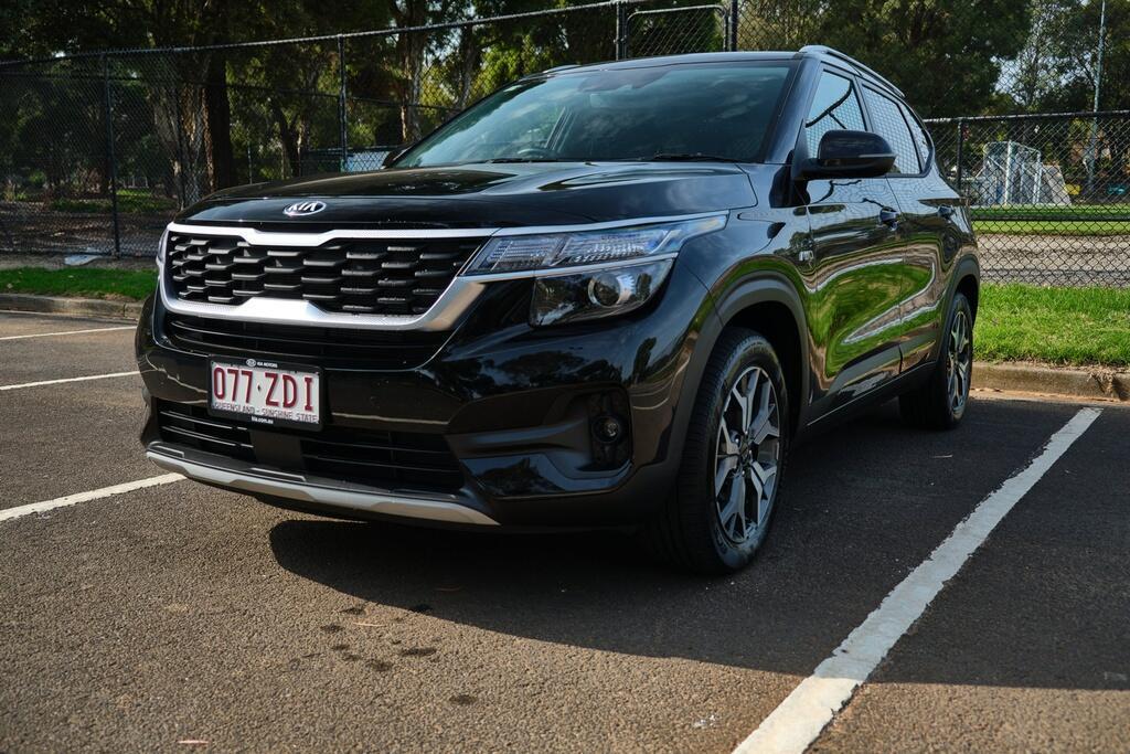 Danh gia Kia Seltos Sport+ AWD 2020 – SUV rong rai, lai thoai mai hinh anh 1 Kia_Seltos_4.jpg