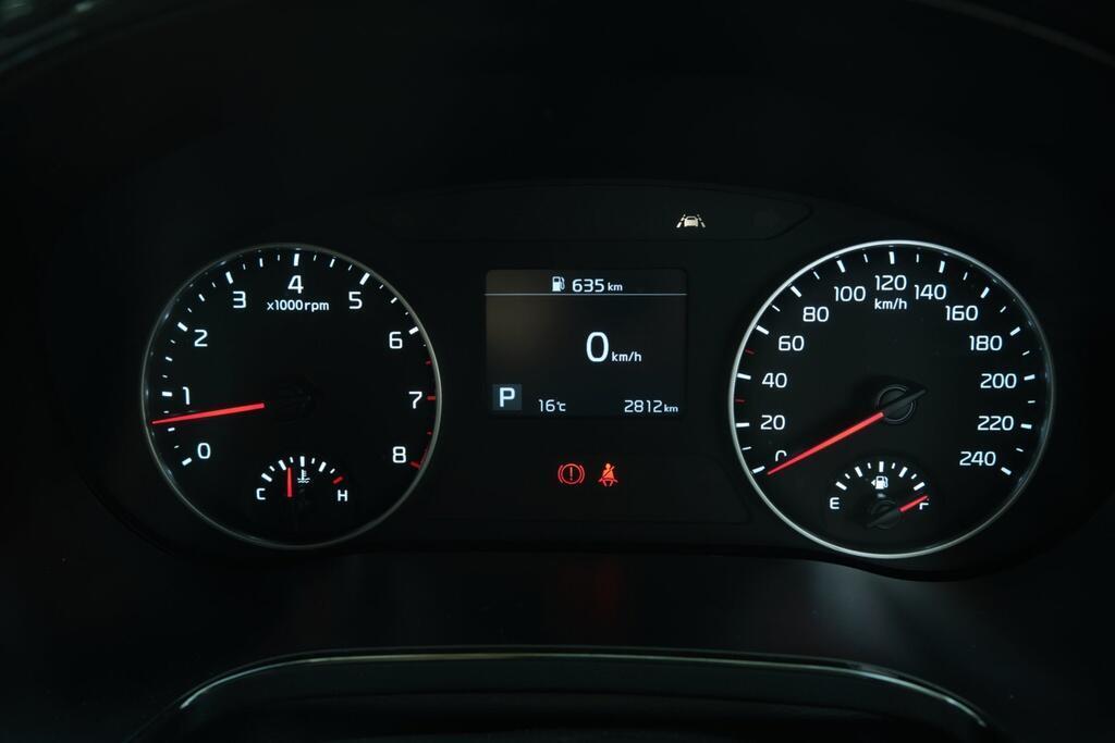 Danh gia Kia Seltos Sport+ AWD 2020 – SUV rong rai, lai thoai mai hinh anh 27 Kia_Seltos_44.jpg