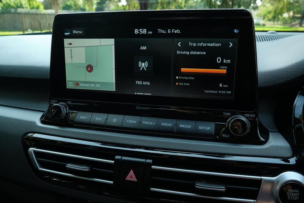 Danh gia Kia Seltos Sport+ AWD 2020 – SUV rong rai, lai thoai mai hinh anh 26 Kia_Seltos_42.jpg
