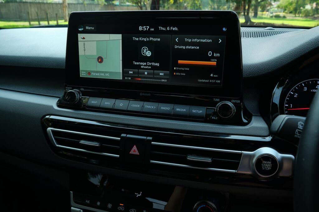 Danh gia Kia Seltos Sport+ AWD 2020 – SUV rong rai, lai thoai mai hinh anh 24 Kia_Seltos_38.jpg
