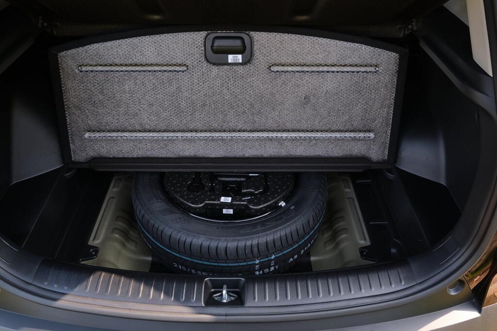 Danh gia Kia Seltos Sport+ AWD 2020 – SUV rong rai, lai thoai mai hinh anh 23 Kia_Seltos_18.jpg