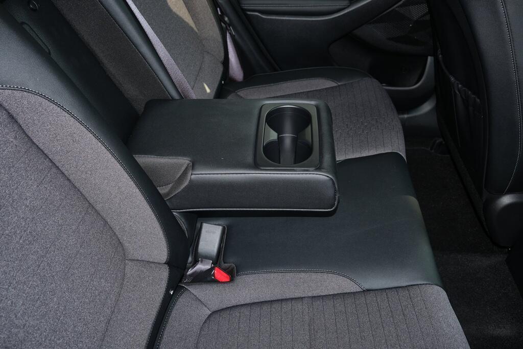 Danh gia Kia Seltos Sport+ AWD 2020 – SUV rong rai, lai thoai mai hinh anh 21 Kia_Seltos_31.jpg