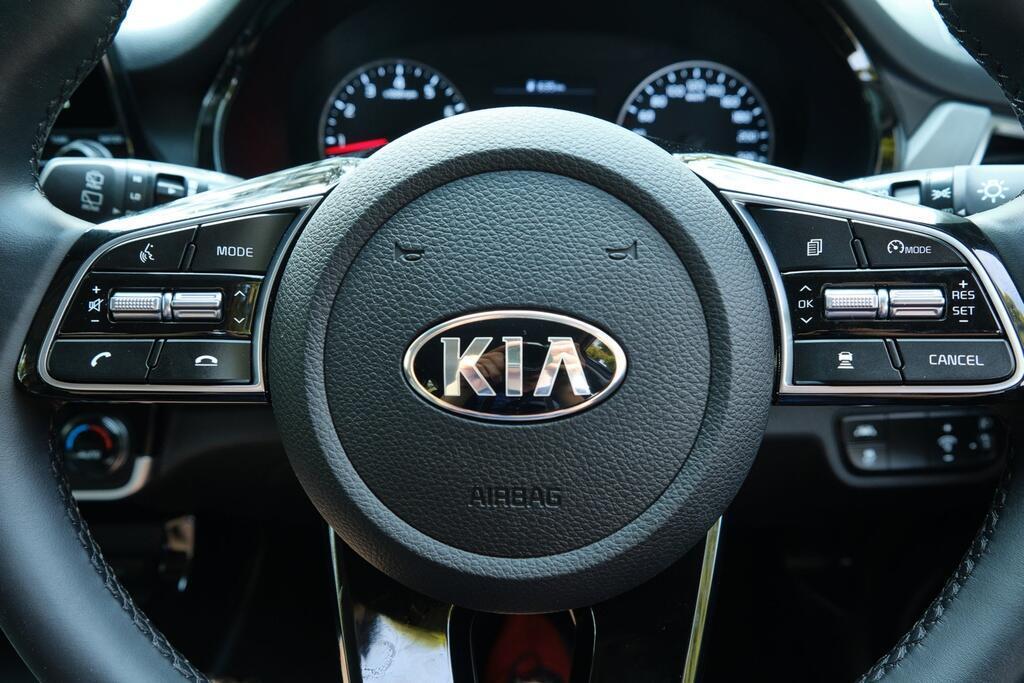 Danh gia Kia Seltos Sport+ AWD 2020 – SUV rong rai, lai thoai mai hinh anh 17 Kia_Seltos_45.jpg