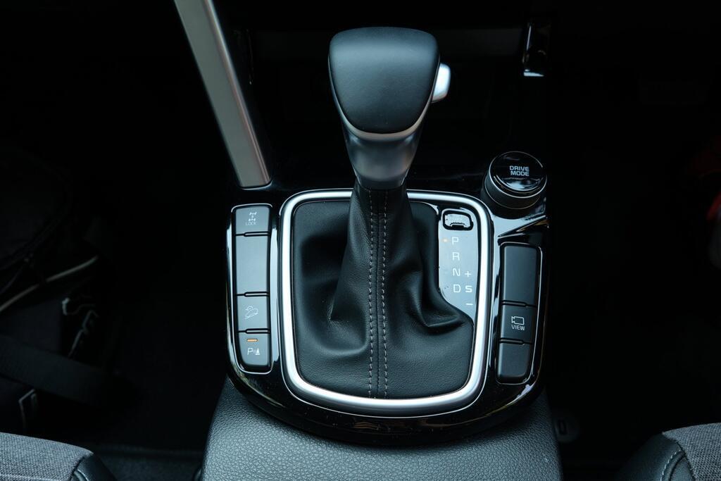 Danh gia Kia Seltos Sport+ AWD 2020 – SUV rong rai, lai thoai mai hinh anh 12 Kia_Seltos_43.jpg
