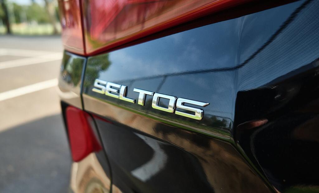 Danh gia Kia Seltos Sport+ AWD 2020 – SUV rong rai, lai thoai mai hinh anh 8 Kia_Seltos_5_1.jpg
