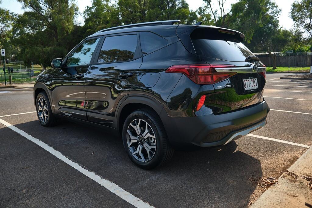 Danh gia Kia Seltos Sport+ AWD 2020 – SUV rong rai, lai thoai mai hinh anh 3 Kia_Seltos_15.jpg