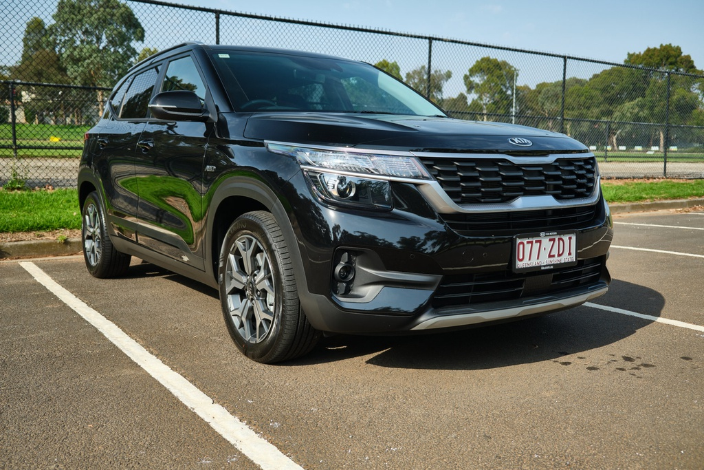 Danh gia Kia Seltos Sport+ AWD 2020 – SUV rong rai, lai thoai mai hinh anh 2 Kia_Seltos_2.jpg