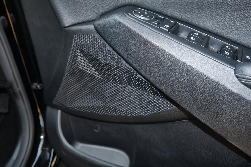 Danh gia Kia Seltos Sport+ AWD 2020 – SUV rong rai, lai thoai mai hinh anh 29 Kia_Seltos_32.jpg