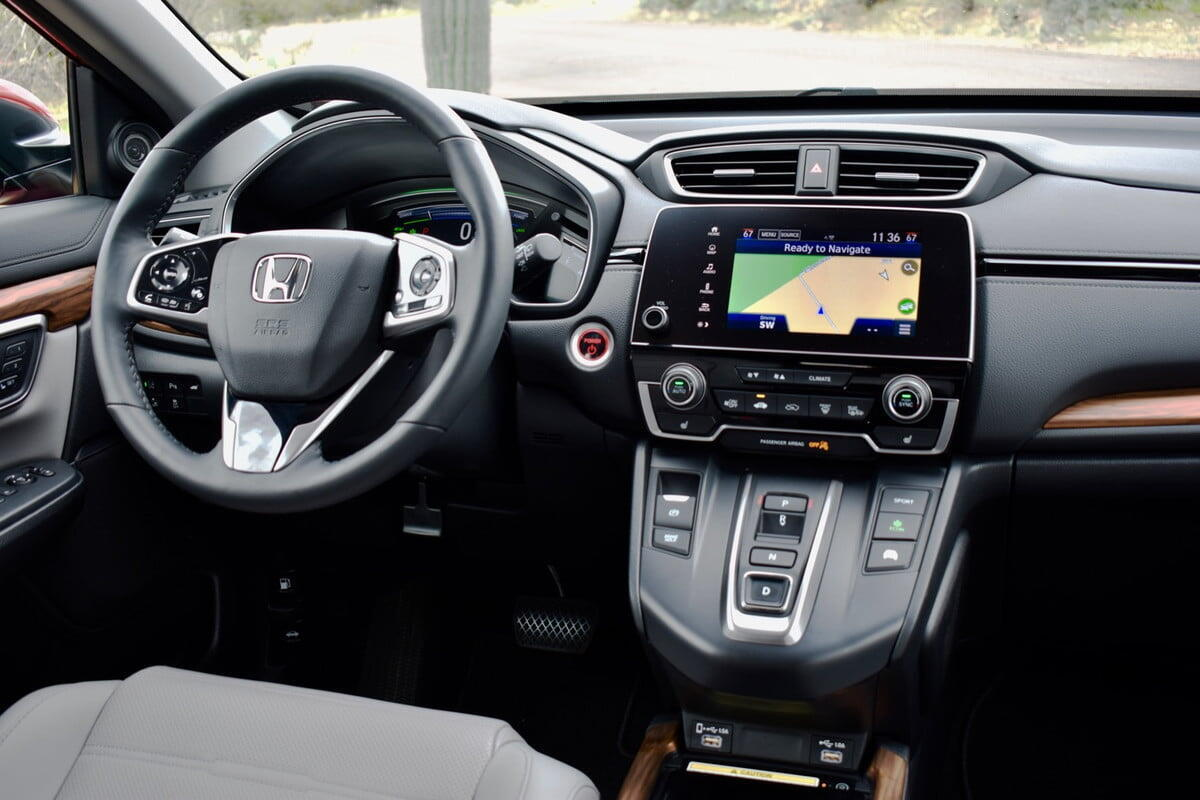 danh-gia-mau-xe-hon-da-cr-v-hybrid-2020-lan-dau-tien-ra-mat-3.jpg