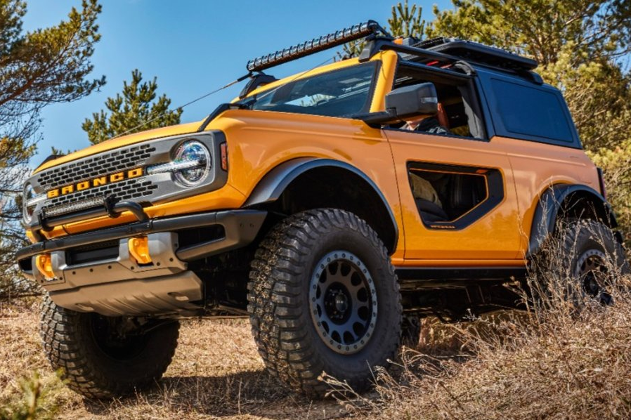 danh-gia-mau-xe-off-road-ford-bronco-2021-1.jpg