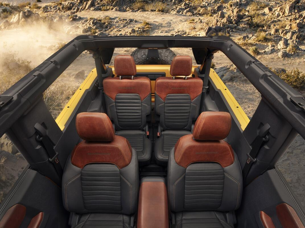 danh-gia-mau-xe-off-road-ford-bronco-2021-8.jpg