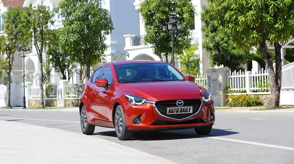 """Đánh giá Mazda2: """"Chuẩn"""" xe đi phố - Hình 2"""