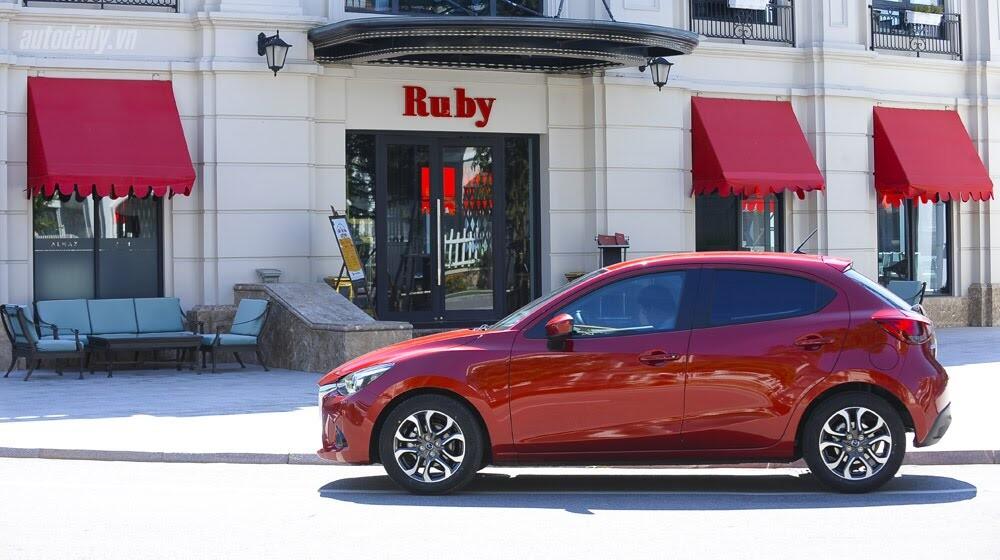 """Đánh giá Mazda2: """"Chuẩn"""" xe đi phố - Hình 7"""