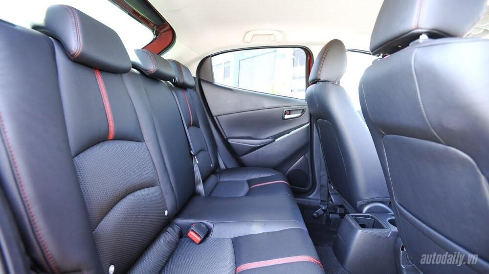 """Đánh giá Mazda2: """"Chuẩn"""" xe đi phố - Hình 15"""