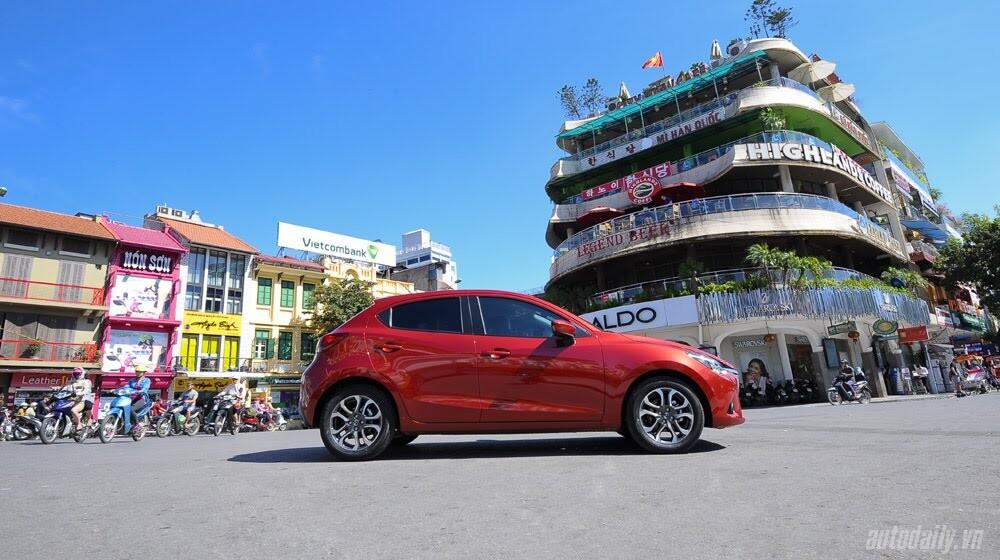 """Đánh giá Mazda2: """"Chuẩn"""" xe đi phố - Hình 17"""