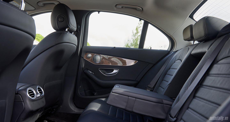 Đánh giá Mercedes C 250 Exclusive: Tái hiện hình ảnh xe sang cổ điển - Hình 9