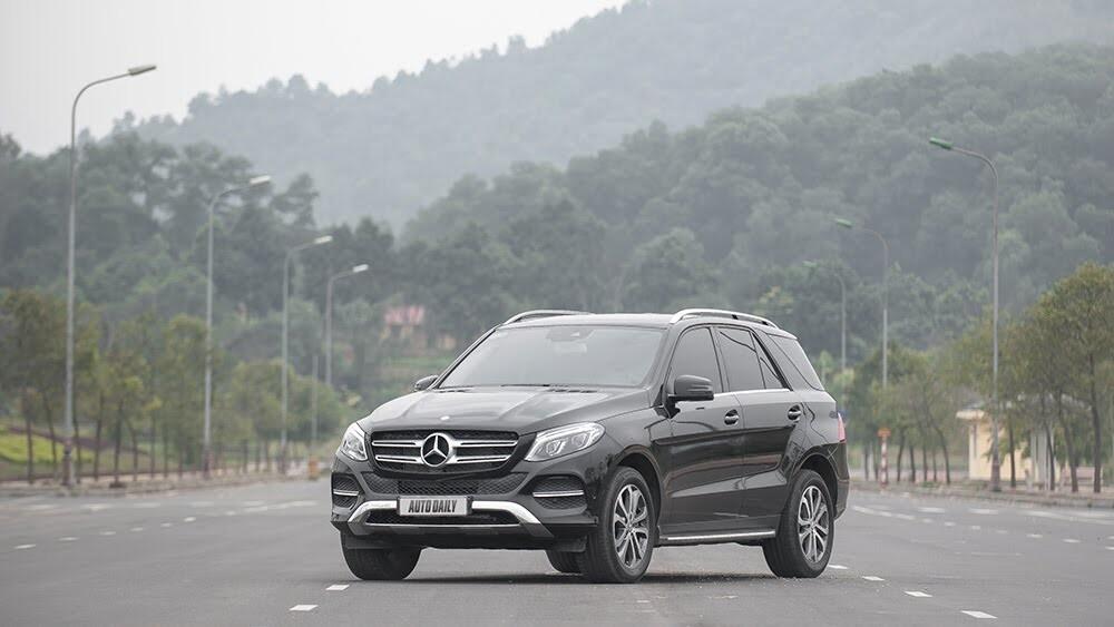 Đánh giá Mercedes-Benz GLE400 4Matic: Bước chuyển mình ngoạn mục - Hình 2