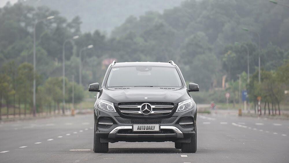 Đánh giá Mercedes-Benz GLE400 4Matic: Bước chuyển mình ngoạn mục - Hình 3