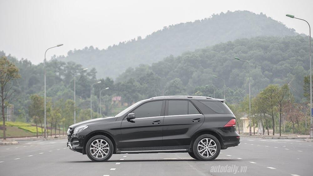 Đánh giá Mercedes-Benz GLE400 4Matic: Bước chuyển mình ngoạn mục - Hình 4