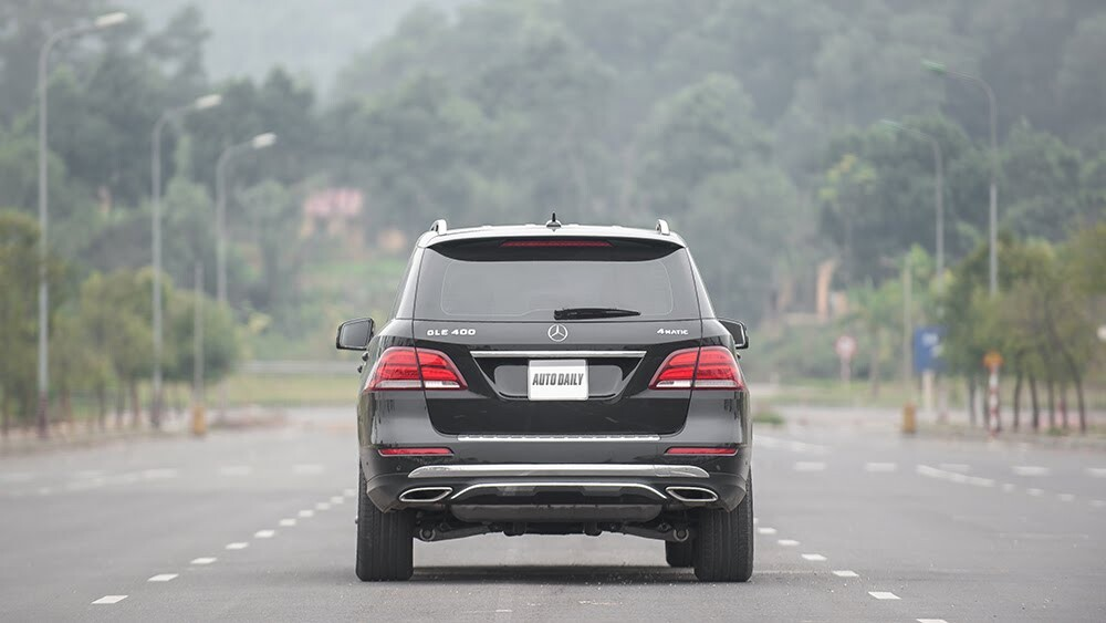 Đánh giá Mercedes-Benz GLE400 4Matic: Bước chuyển mình ngoạn mục - Hình 5